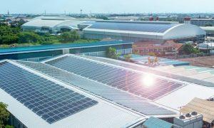 Photovoltaik auf Gewerbe- und Industriehallen