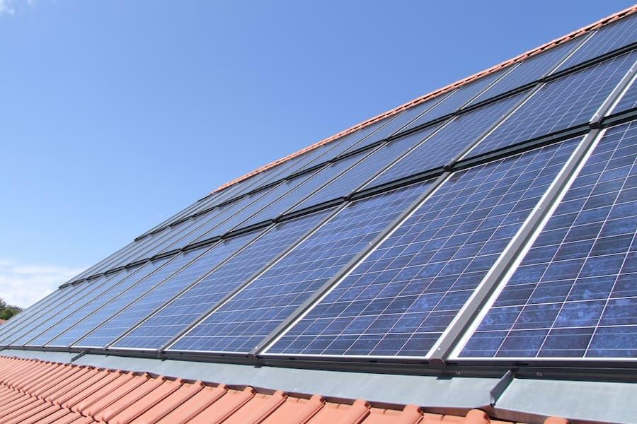 Indach Photovoltaikanlage © Garteneidechse, stock.adobe.com
