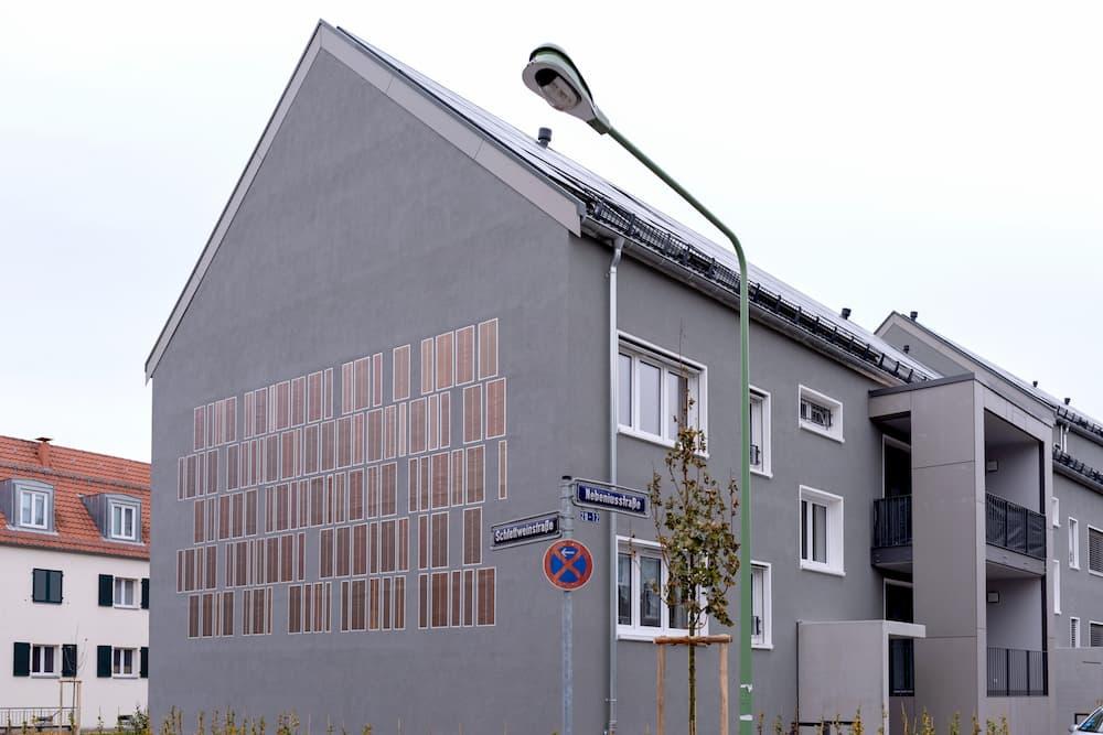 Haus mit Photovoltaik Fassade ©  ABG, Ralf Pelkmann