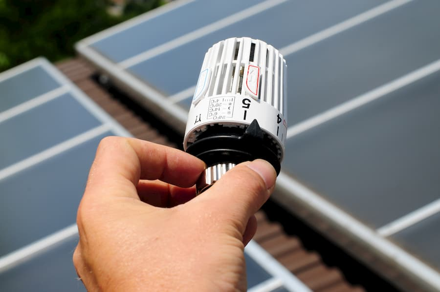 Solarthermie zur Heizungsunterstützung © Ehrenberg Bilder, stock.adobe.com