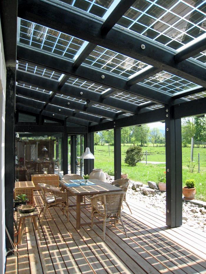 Terrassendach mit Photovoltaik © zorro, stock.adobe.com
